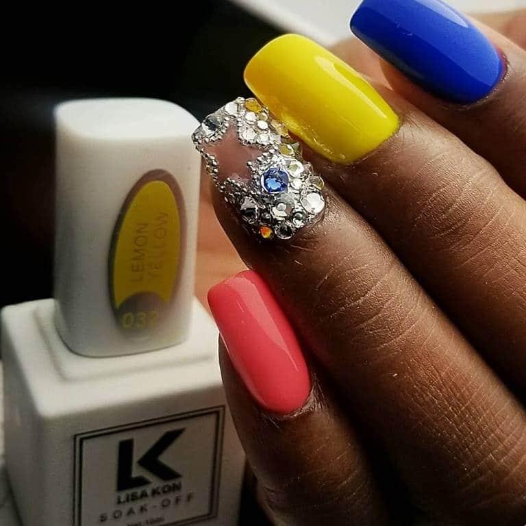 Colourful-nail-varnish-neon