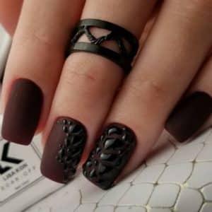 Lisa-kon-nail-gel-polish