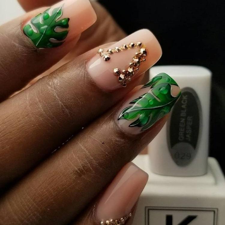 green-black-nail-varnish