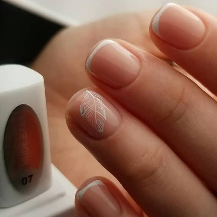 White-painting-nail-art